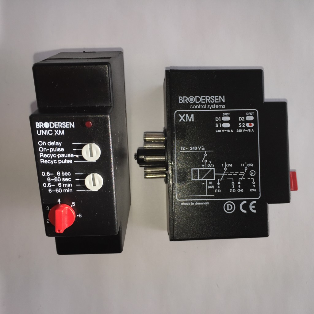 Timer 12-240V 0.6 to 60s, 11 Pin Base Mounting